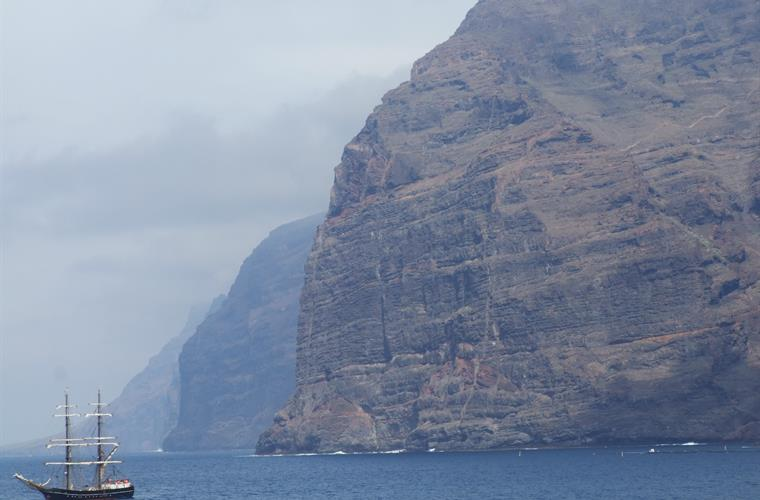 amazing view of Los Gigantes cliffs