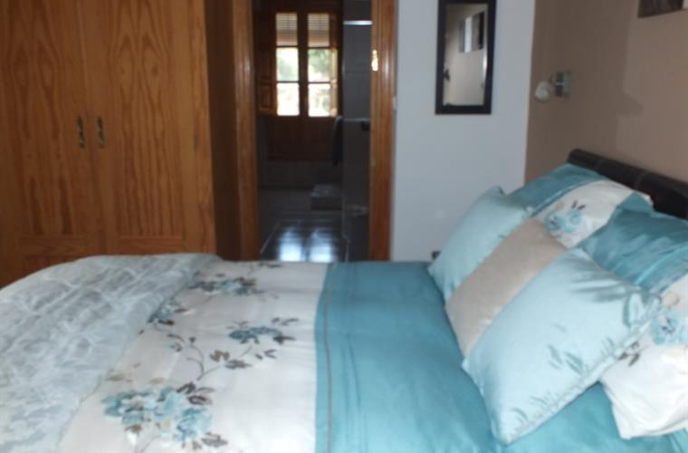 Beautiful Kingsize Bedroom With Air Con