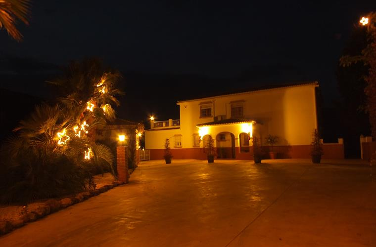 We Decorate Our Villa Inside And Out For You At Xmas