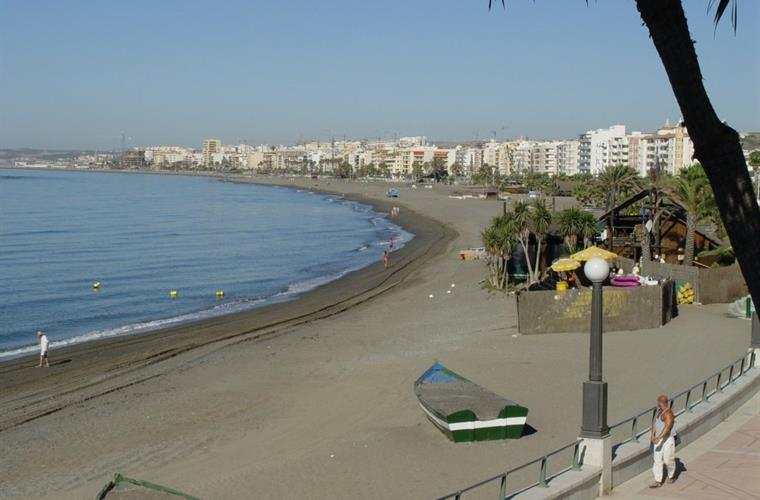 Beach Estepona in front of Edicicio Jacaranda