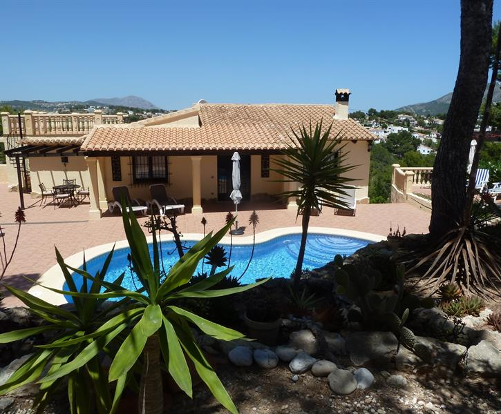 Traditional Spanish villa with pool in Moraira (June 2019)