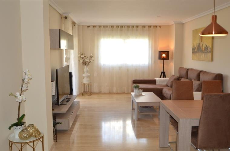 Luxury and comfortable new refurbished living area
