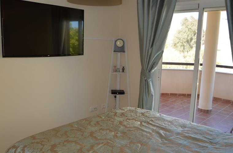 Beautiful double bedroom with A/C, TV and access to the terrace