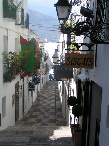 ...and has many very good boutiques, galleries and restaurants.