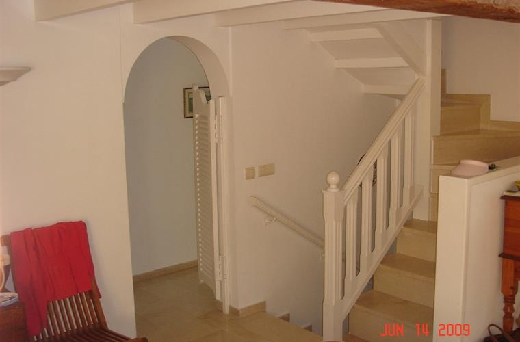 marble stair case up to mezzanine