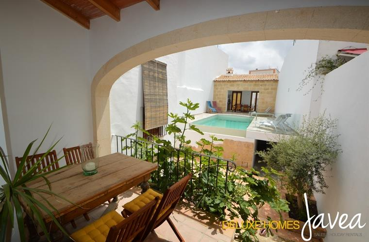 Holiday townhouse for rent in j vea j vea vacation for Outdoor furniture javea
