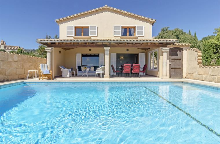 Lovely family villa in Mallorca close to the local beaches