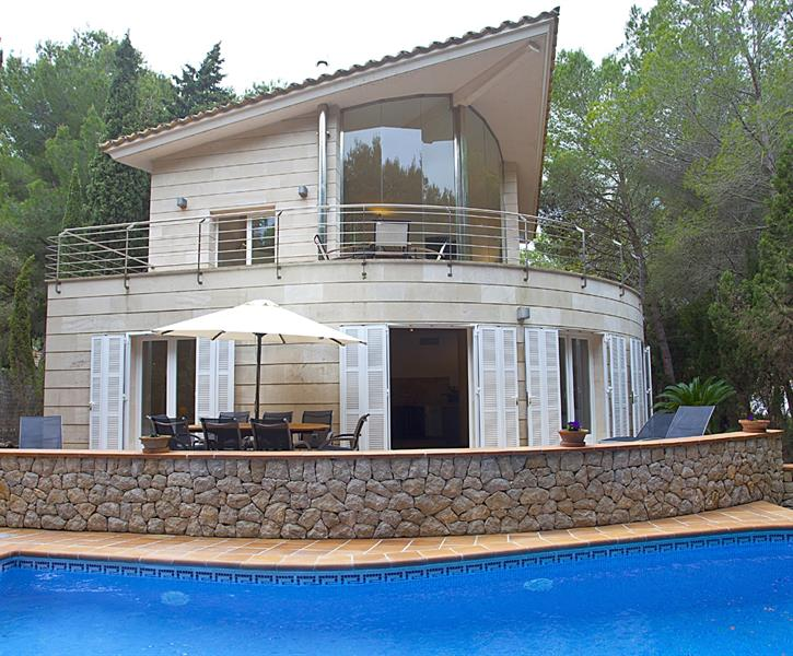 enjoy your holiday in this beautiful, modern villa