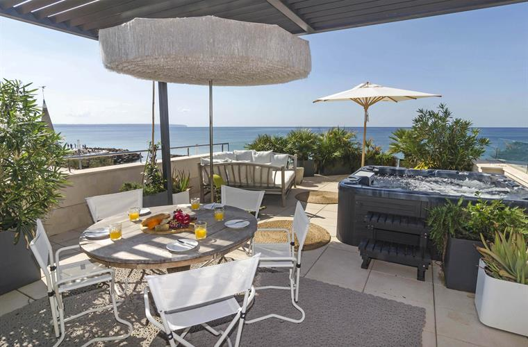Private roof terrace with breathtaking sea views across Palma Bay.