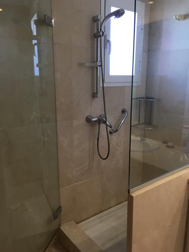 Shower of master bedroom