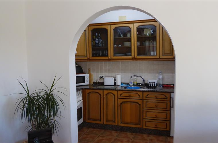 Fully fitted kitchen with absolutley everything you will need.