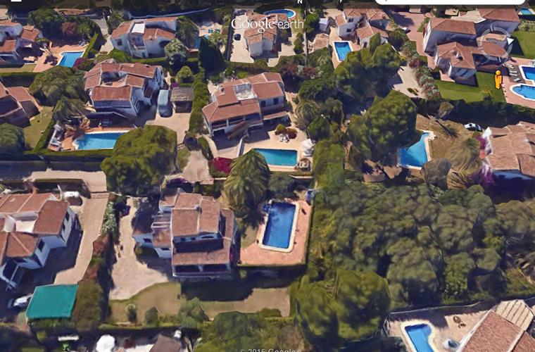 Casa Luce is situated in a quiet residential area