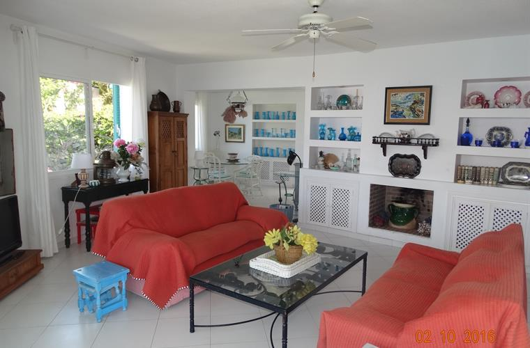 SALON CON DOS AMBIENTES / LIVING ROOM