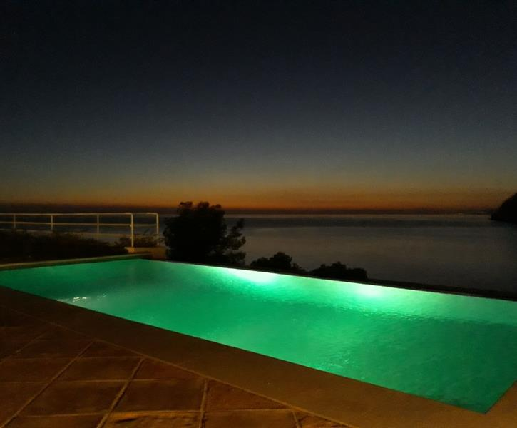 Anochecer desde la piscina / sunset from the pool