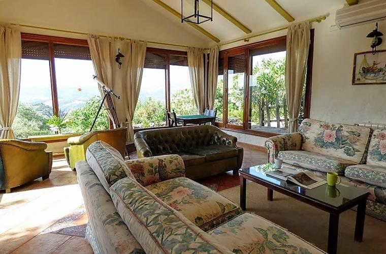 Second living room with beatiful views