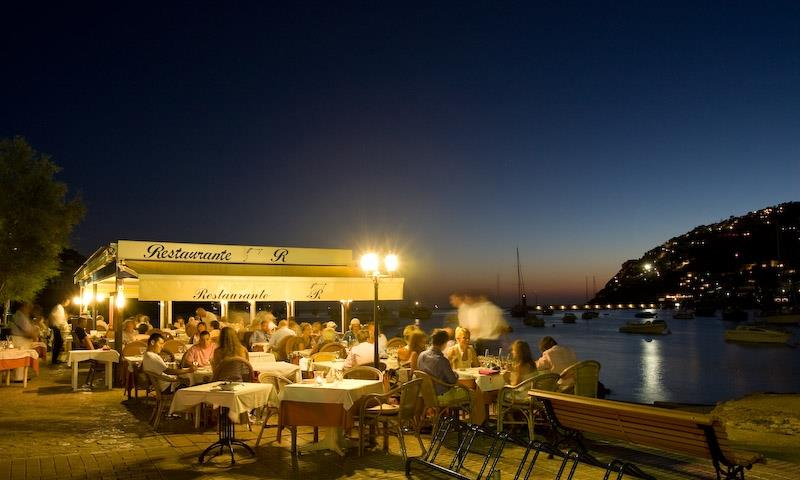 Cozy restaurants in the harbour