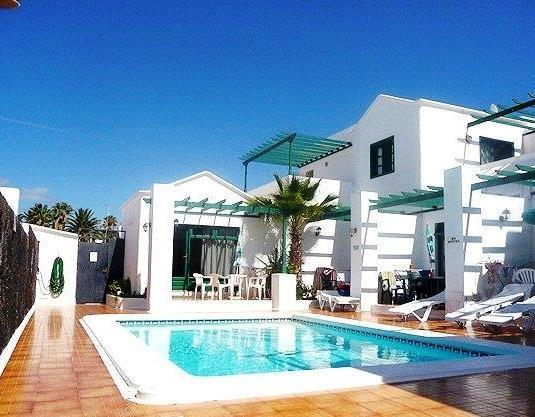 Holiday apartment for rent in puerto del carmen central puerto del carmen puerto del carmen - Car rental puerto del carmen ...