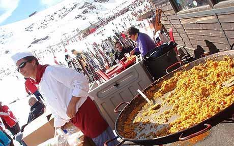 Sun, snow & paella (we are only 35 mins from the  ski lifts)