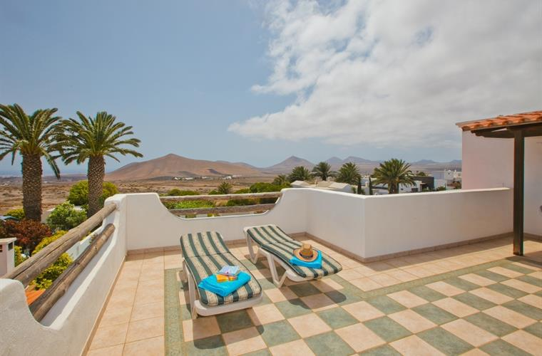 First floor sun terrace - Villa Antonio