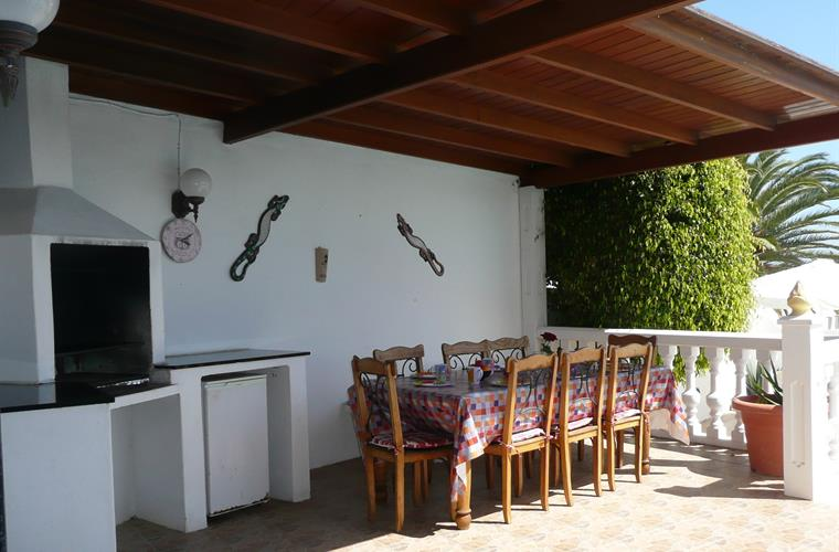 Dining al-fresco , barbecue & useful out door fridge