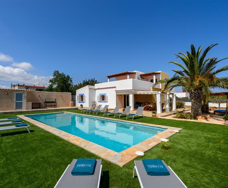 holiday villa for rent in ibiza city ibiza city vacation villa 35160. Black Bedroom Furniture Sets. Home Design Ideas