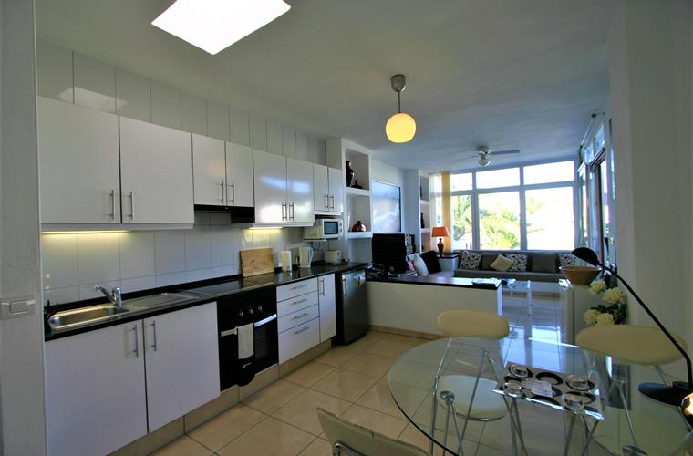 Light, airy fully fitted kitchen with views of Canarian garden