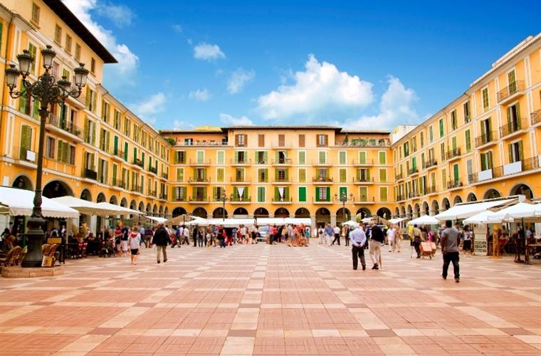 Stunning Plaza Major in Palma Old Town