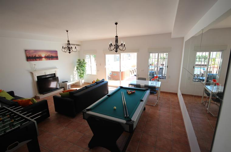 Great gamesroom with home cinema system, pool table etc...