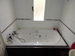 double jacuzzi bath in ensuite master bedroom