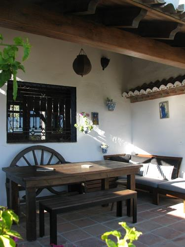 Covered terrace area in front of kitchen