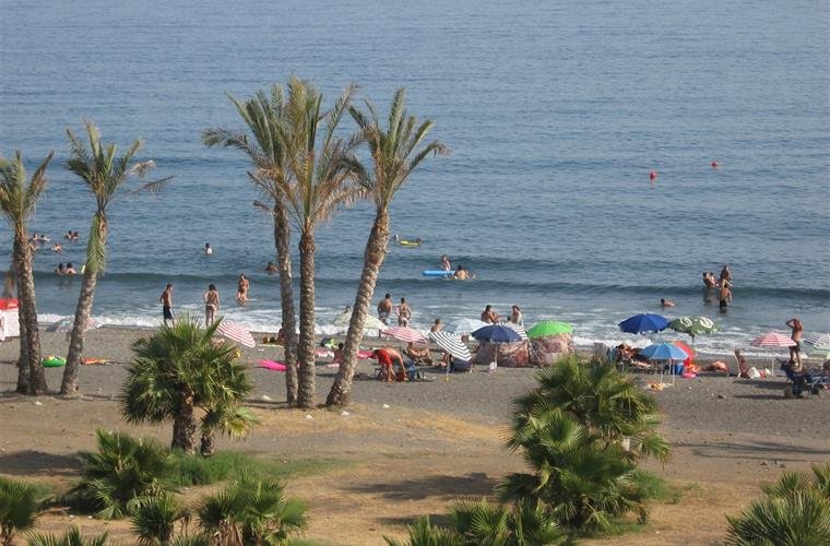 one of the town beaches below La Rijana