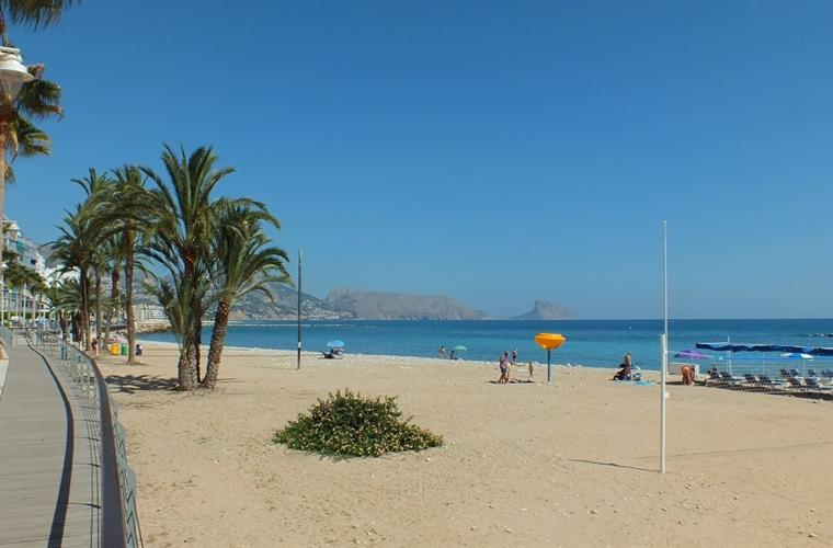 Altea, La Roda beach