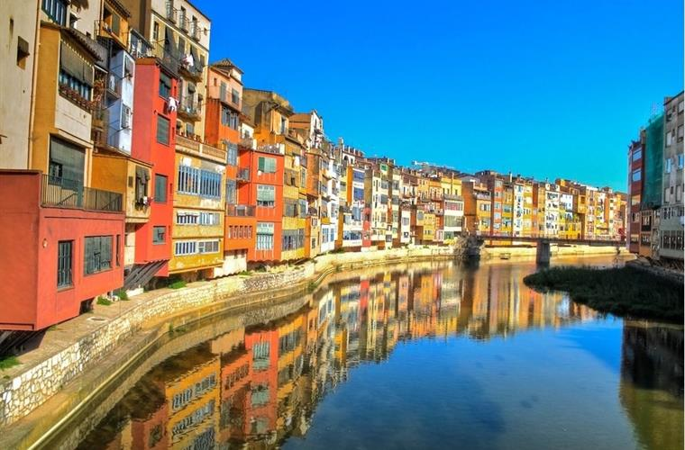 Girona, Barcelonas little sister, is a fantastic city to visit