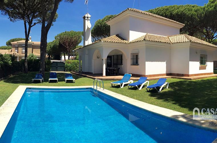 holiday villa with pool in Roche, Conil
