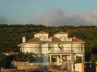 Two semidetached villas with wonderful sea views. Capacity: 10 p.