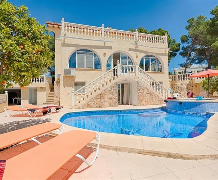 Superb 11p villa in Moraira with stunning sea views & private pool