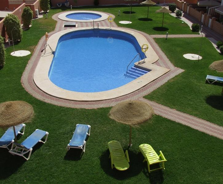 Beautifully maintained facilities and garden area,free sunloungers