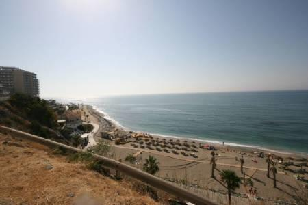 Sandy beach walking distance from apartment