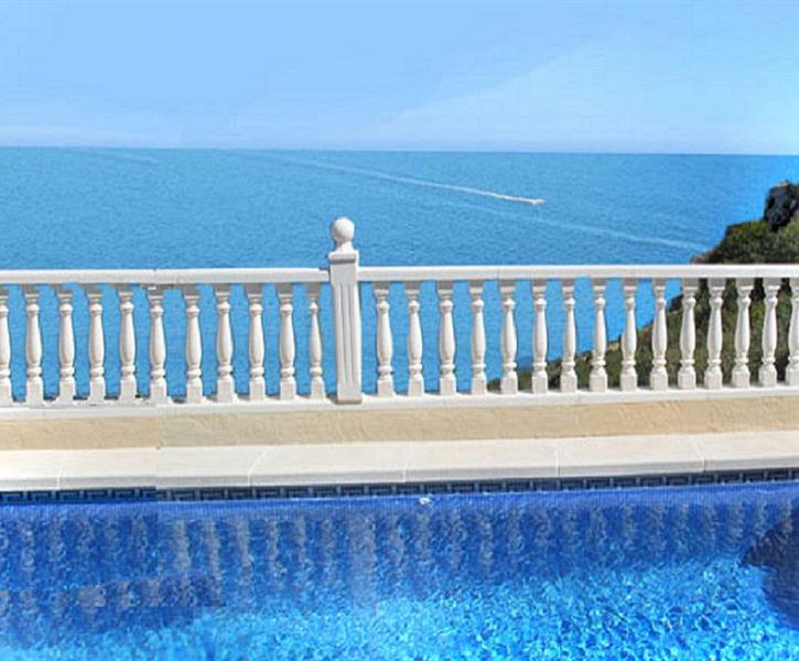 Sea Views and Private Pool and Jacuzzi