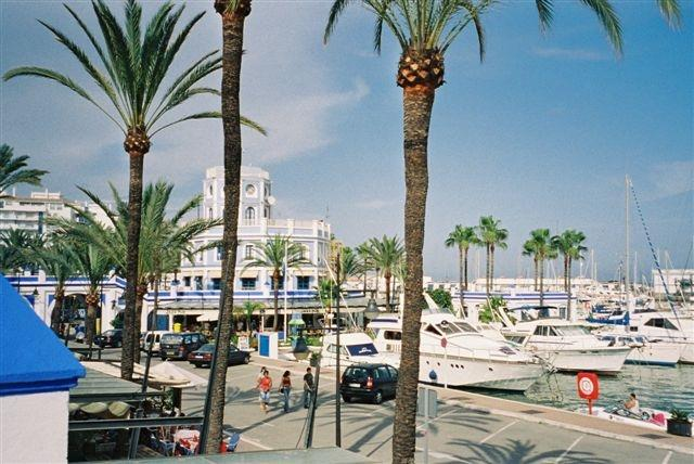 Attractive Estepona Port. Restaurants & Sunday Market.