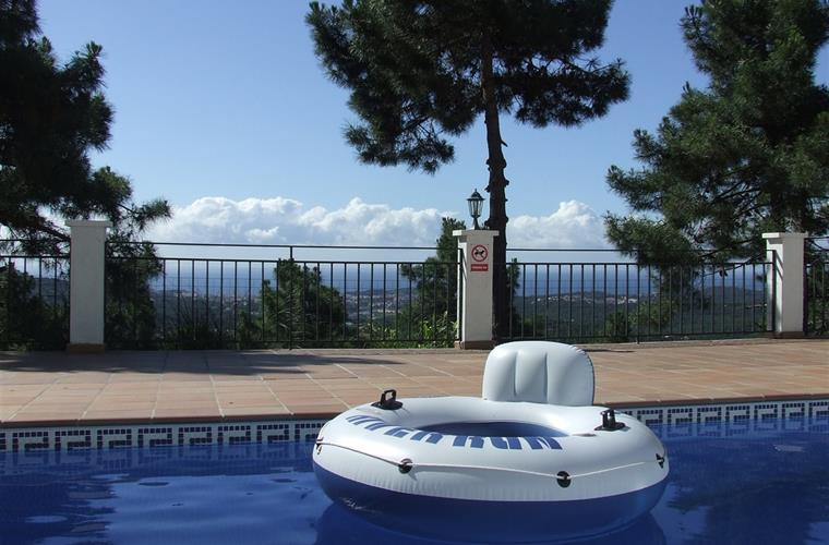 Also from the pool you can see lloret