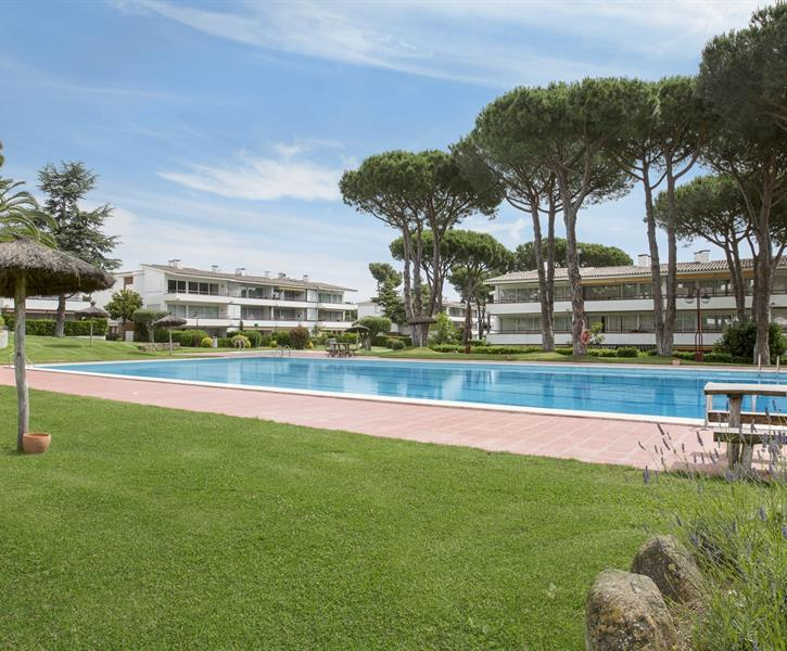 The garden of the Calella Park residence in Calella de palafrugell