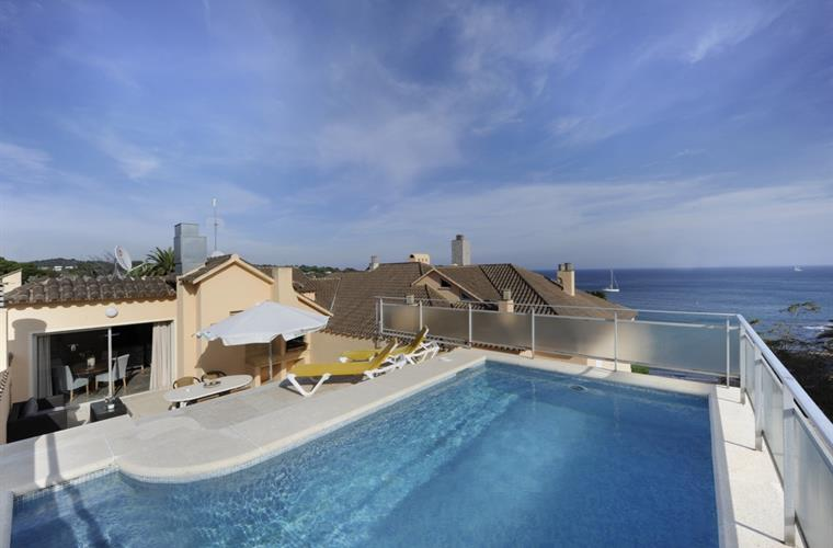 Penthouse Montserrat (2 pers.) with private pool