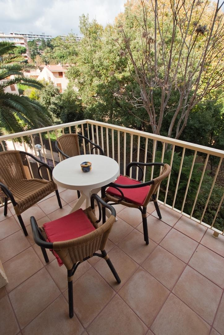 Balcony with garden view (type Costa Brava)