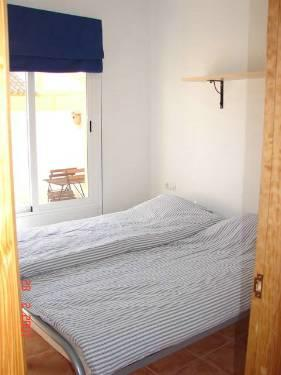 Bedroom 2 with 2 single beds. Babybed is also available.