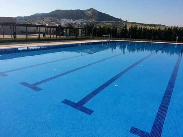 Facinas pulblic swimming pool facility open during the Summer