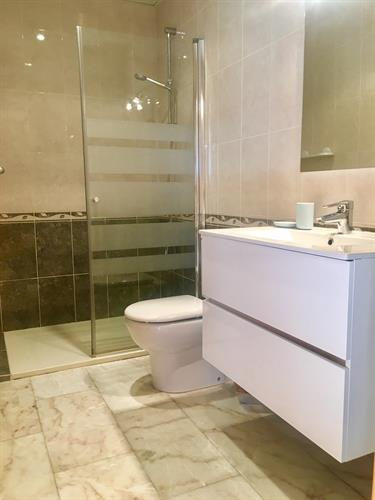 Ensuite bathroom ( ground floor)
