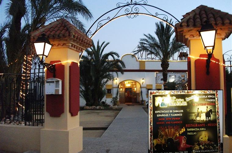 Villa Salida with restaurant Meson and flamenco and horse show