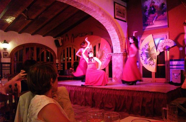 Flamenco dancing during off peak season in Villa Salida