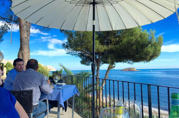 Dining overlooking the sea at restaurant in Altea 10 Minutes drive